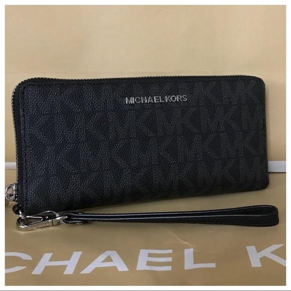 b5cd62c6c808 Michael Kors Bags | Nwt Mk Jet Set Travel Continental Walletblack ...